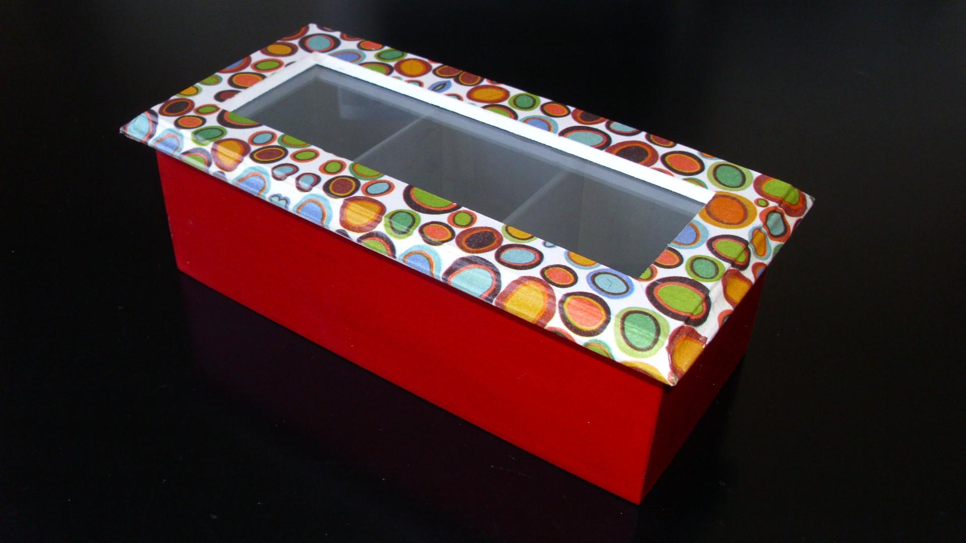 Caja te modelo circulos 3 divisiones