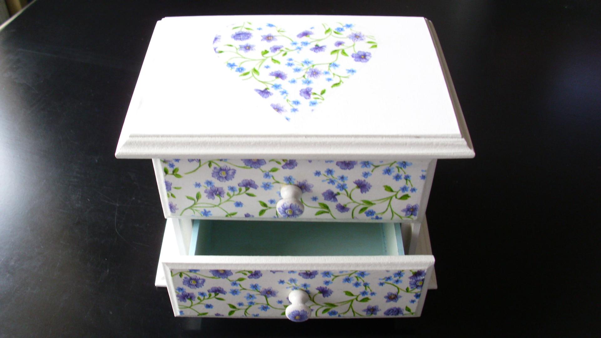 Alhajero romantico pinocha boxes - Muebles de colores pintados ...